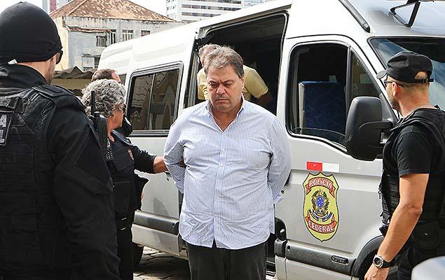 Ex-senador Gim Argello (PTB), preso na 28ª fase da Operação Lava Jato, no IML de Curitiba (PR) para exame de corpo de delito