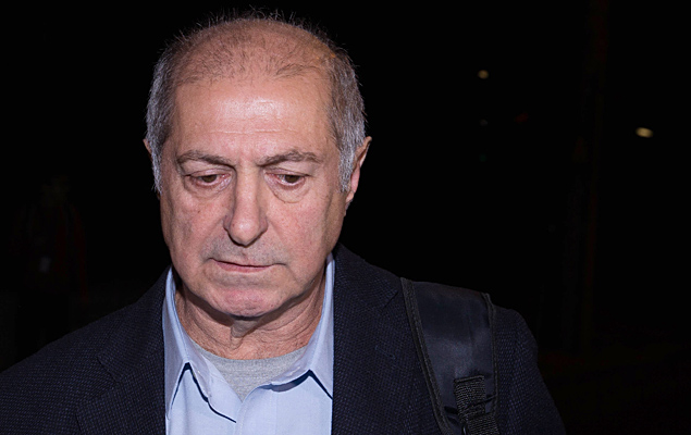 O ex-ministro do Planejamento Paulo Bernardo, deixa a sede da Polícia Federal (PF) em São Paulo
