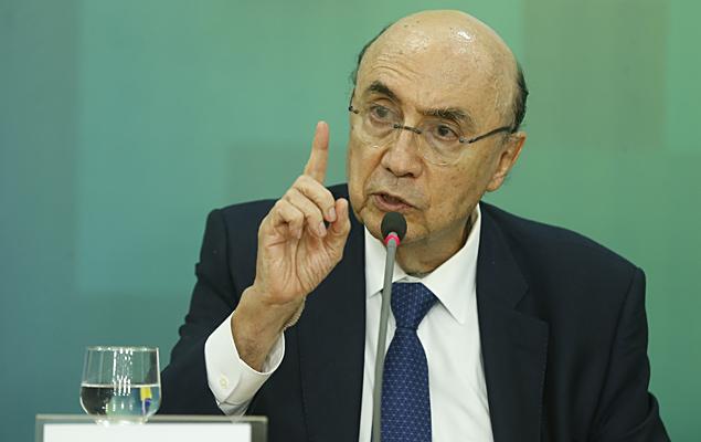 O ministro Henrique Meirelles (Fazenda) anuncia que o governo vai propor ao Congresso que a meta fiscal de 2017 seja um deficit de R$ 139 bilhões