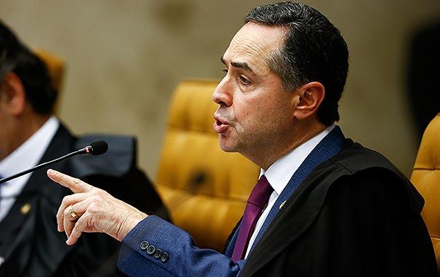 O ministro Luís Roberto Barroso em sessão do Supremo Tribunal Federal que julga o foro privilegiado, em Brasília, nesta quarta