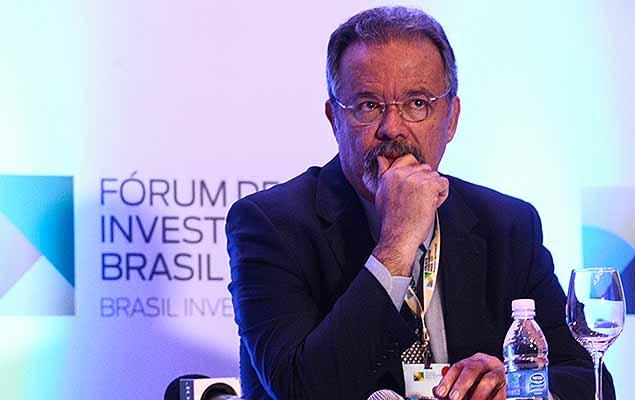 O ministro da Defesa, Raul Jungmann, participa do Fórum de Investimentos Brasil 2017, que acontece no Hotel Gran Hyatt em São Paulo, e conta com a presença de autoridades políticas e empresariais.