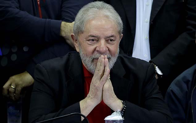 Ex-presidente Lula fala sobre a sua condenação na Lava Jato na sede do Partido dos Trabalhadores, em São Paulo, nesta quinta