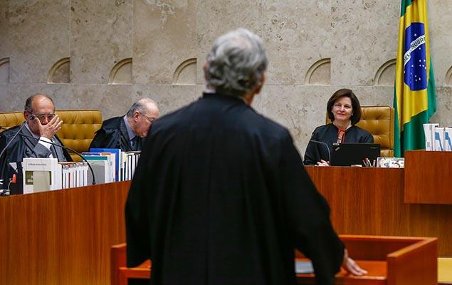 Procuradora-geral da República, Raquel Dodge, em sessão do STF que julga questões relativas à denúncia contra Temer, em Brasília