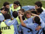 Seleção uruguaia comemora o empate