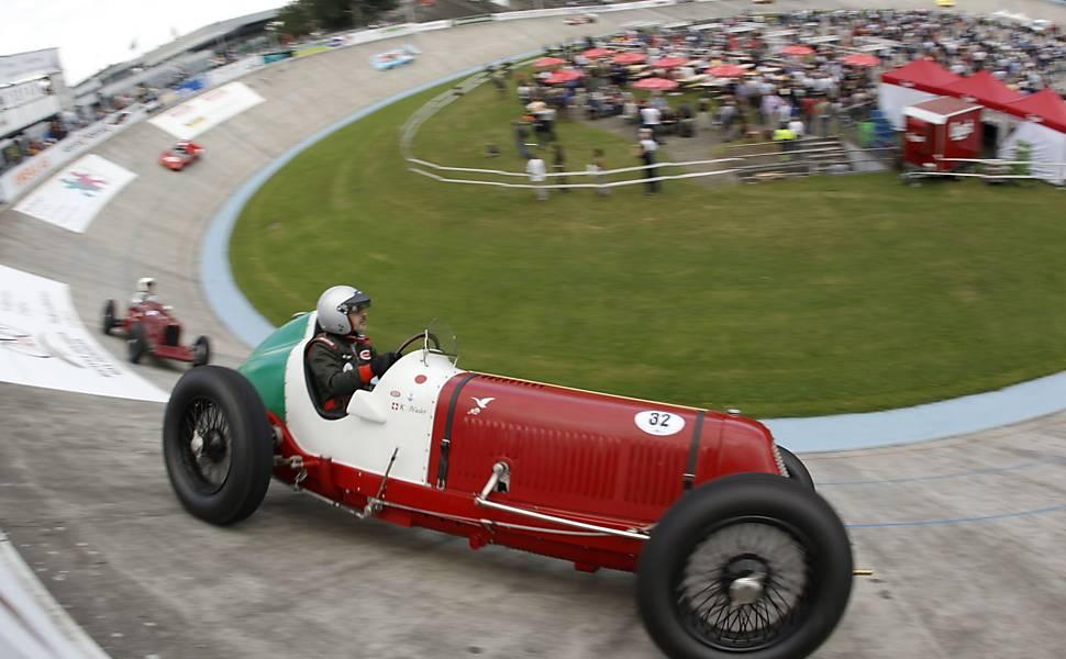 Carros de corrida antigos
