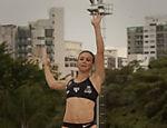 Maurren Maggi salta durante inauguração da pista do Centro Olímpico em São Paulo