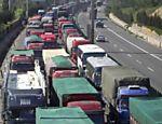 Veículos fazem fila durante engarrafamento entre Jining e a província de Hebei; congestionamento já dura dez dias