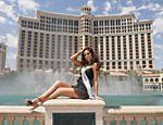 A mexicana Jimena Navarrete, eleita Miss Universo 2010 na noite de ontem (23), posa para foto em Las Vegas <a href=