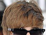 O astro teen Justin Bieber lançou uma linha de esmaltes para unhas <a href=