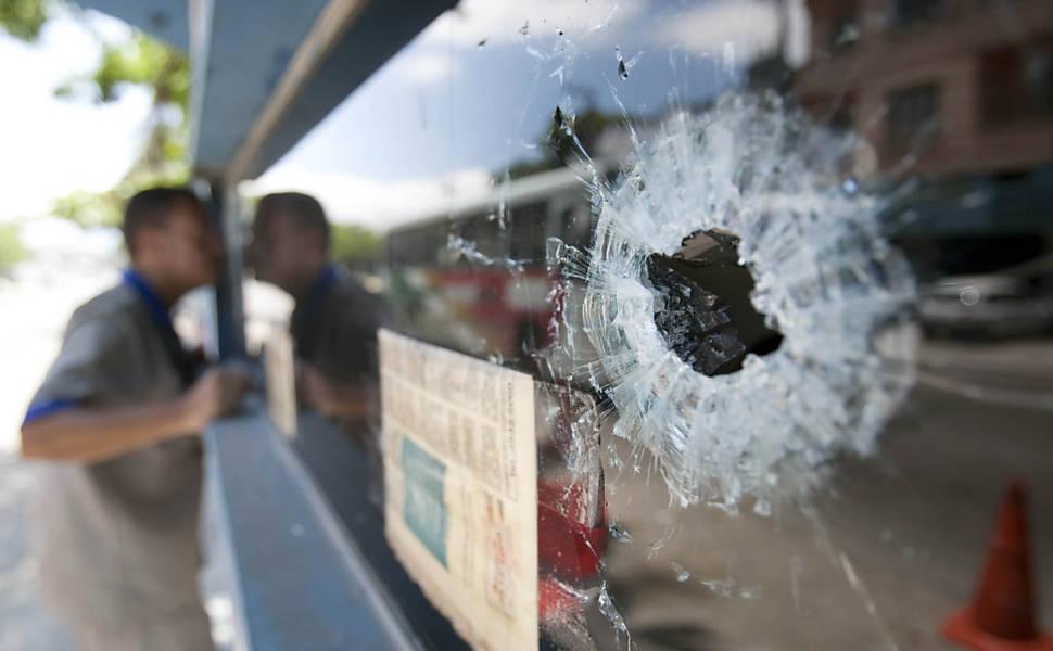 Veja fotos de ataques e operações no Rio
