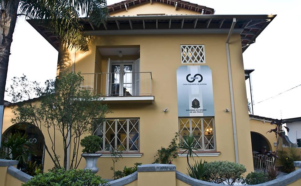 Casa-museu de Guilherme de Almeida é reaberta