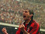 Leonardo comemora gol contra o Empoli, no estádio San Siro, em Milão <a href=