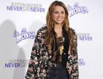 Miley Cyrus chega para a pré-estreia do filme