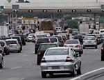 Trânsito intenso na rodovia Castello Branco, sentido interior do Estado; confira a situação das estradas <a href=
