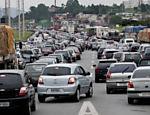 Trânsito intenso na rodovia dos Imigrantes, acesso ao litoral paulista; <a href=