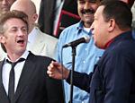 Ator Sean Penn (esq.) se encontrou com o presidente venezuelano, Hugo Chávez, para discutir ajuda financeira ao Haiti