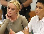 Lindsay Lohan rejeita acordo e pode ser julgada por furto <a href=