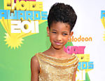 Willow chega ao prêmio do canal pago Nickelodeon Annual Kid's Choice Awards de 2011, em Los Angeles