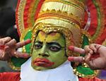 Homem se veste com roupa típica para festejar o Gudi Padwa (chegada do ano novo hindu), em Mumbai