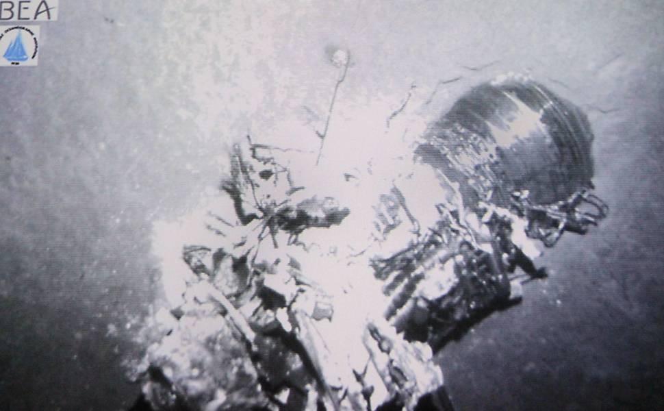 Destroços do voo 447