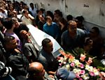 Enterro de Larrisa Martins no cemitério Murundu, em Realengo <a href=