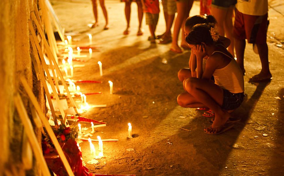 Homenagem às vítimas do massacre