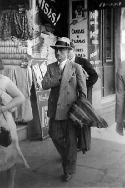 Monteiro Lobato, aos 58 anos, no centro de São Paulo, em 1940