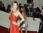Gisele Bündchen é a modelo mais bem paga do mundo, segundo revista <a href=