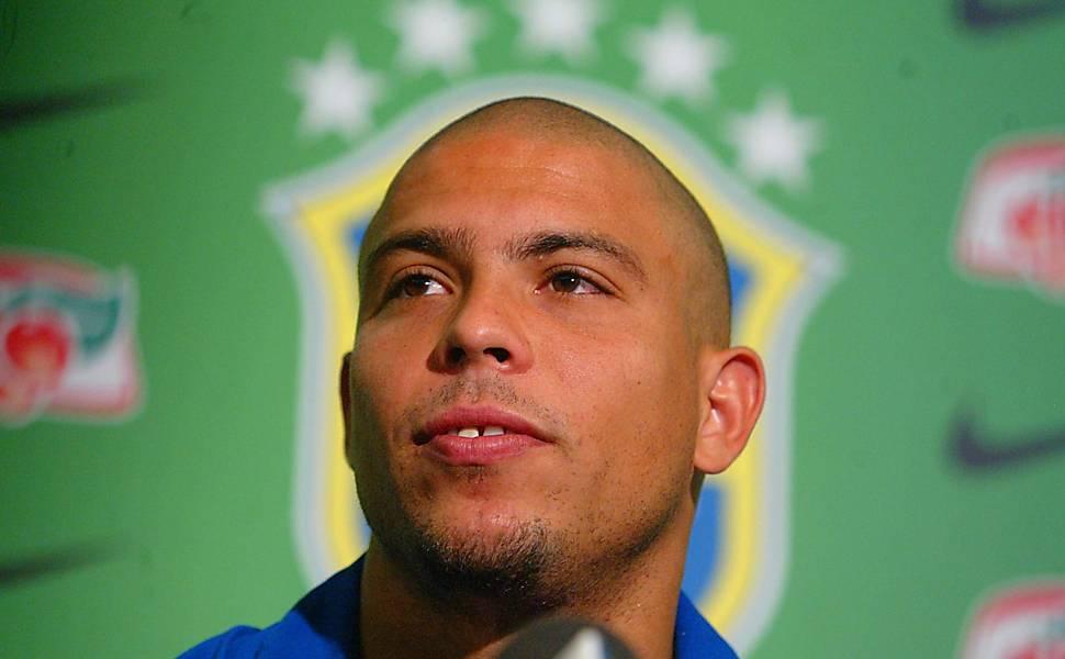 A carreira de Ronaldo na seleção brasileira em fotos