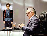 Com Betty Gofman, Ney Latorraca exibe cabelo peculiar durante a gravação da série