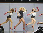 Durante gravação de programa especial de aniversário da apresentadora Oprah Winfrey, em Chigado (EUA), Beyoncé mostra coreografia