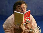 Em São Paulo, Carrasco é retratado na ocasião do lançamento de seu livro
