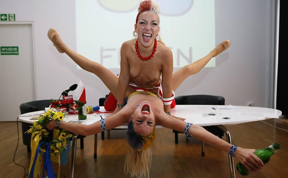 Ativistas protestam contra prostituição na Euro-12