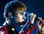 O cantor canadense Justin Bieber se apresenta no estádio do Morumbi em São Paulo <a href=