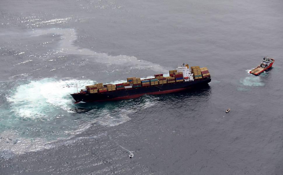 Acidente com navio cargueiro na Nova Zelândia