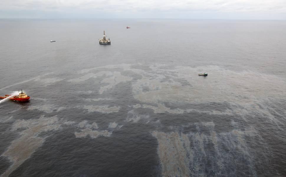 Vazamento de óleo na Bacia de Campos