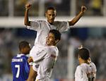 Neymar comemora gol do Santos contra o Santo André pela 16ª rodada do Paulista de 2009