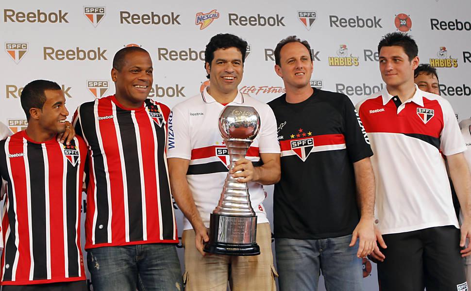 Nova camisa e novo reforço do São Paulo