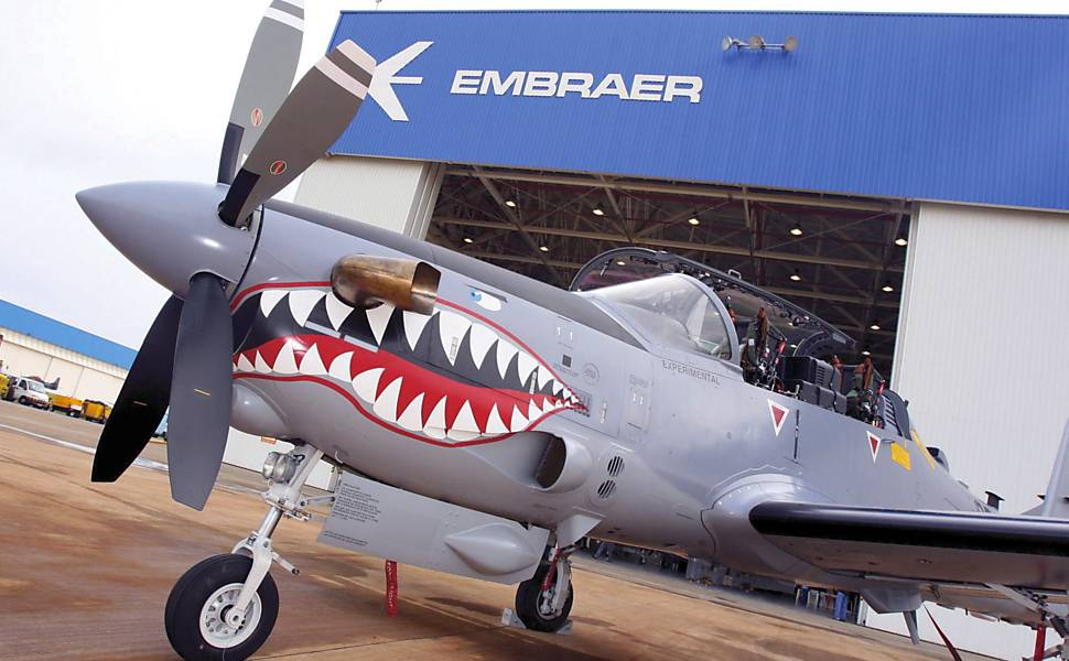 Avi�o Super Tucano da Embraer