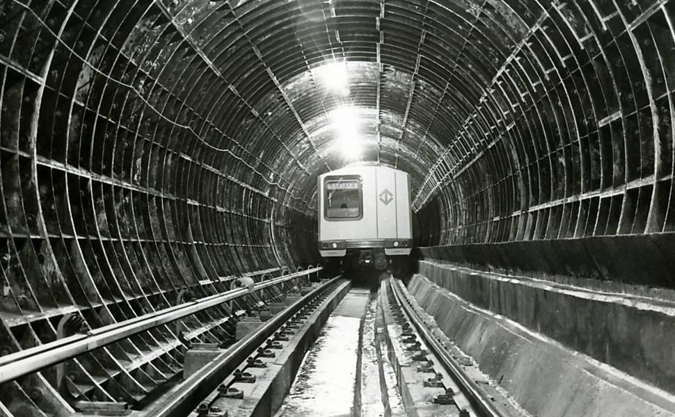 Primeiras etapas da construção do metrô