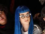 Katy Perry em desfile em Paris em agosto do ano passado