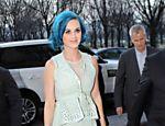 Katy Perry vai a desfile em Paris