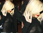 Rihanna sai com roupa transparente