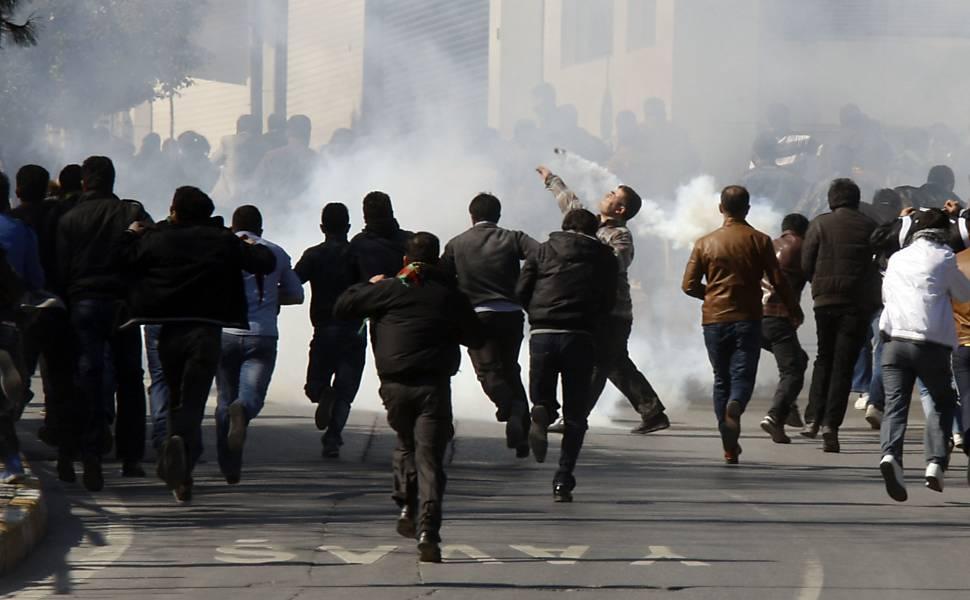 Protestos contra o regime sírio na Turquia