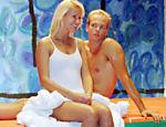 Aos 33 anos, Xuxa grava comercial com o nadador Fernando Scherer, o Xuxa, em 1996
