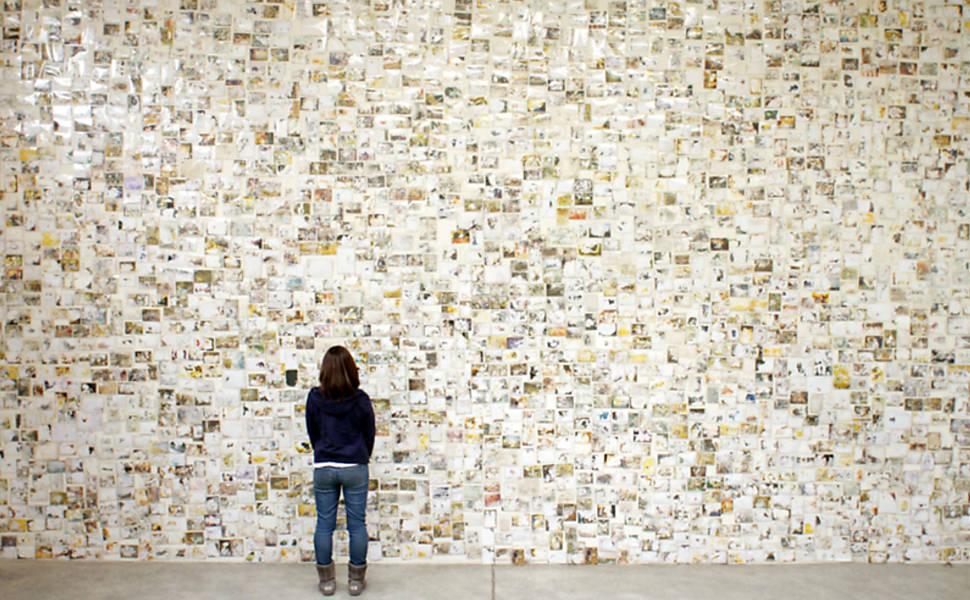 Retratos de família recuperados após tsunami ganham exposição em NY