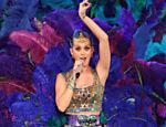 Cantora Katy Perry se apresenta na estreia da Indian Premier League, principal liga de cricket da Índia, em Chennai