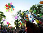 Russos soltam balões em ato contra homofobia em Moscou; país ainda possui resistência contra homossexuais