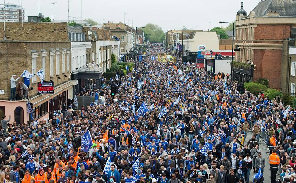 Torcida recebe Chelsea em Londres
