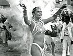 Instituição do Carnaval carioca, desfila como madrinha de bateria da Portela em 1987